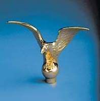 "5"" x 6-1/2"" Gold Metal Flying Eagle Flagpole Ornament"